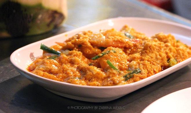 Chilli Egg sauce prawns Lek & Rut Yaowarat Bangkok Thailand