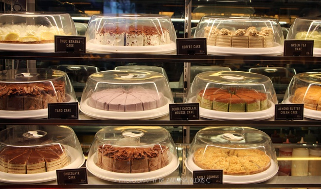 Cakes at White Flower Factory Siam Square One Bangkok Thailand