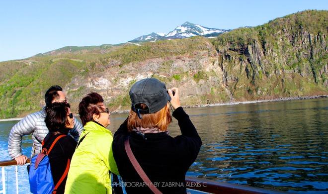 Sailing on the sea of Okhotsk Shiretoko Peninsula Travel Hokkaido