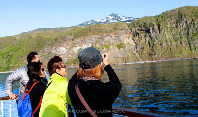 Sailing on the sea of Okhotsk Shiretoko Peninsula Travel Hokkaido