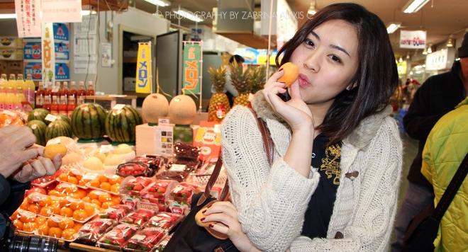 Fruit peach at Washo Market Kushiro Japan
