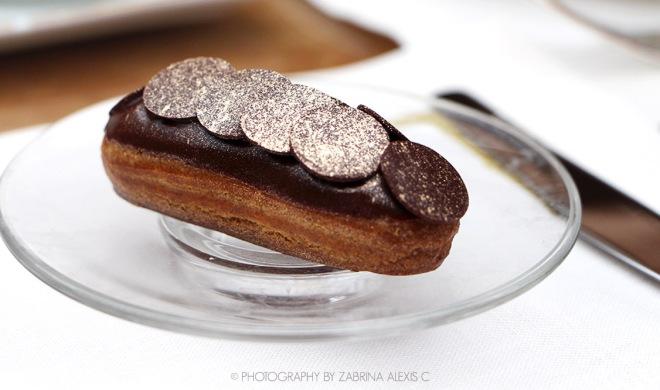 Chihuly Lounge The Ritz-Carlton Millenia Singapore Food Review Blog Afternoon High Tea Bernaudaud Tea Chocolate