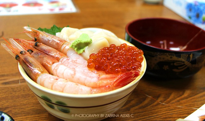 Otaru Wet Market Fresh Hotate Salmon Uni Kani Don Travel Food Diary