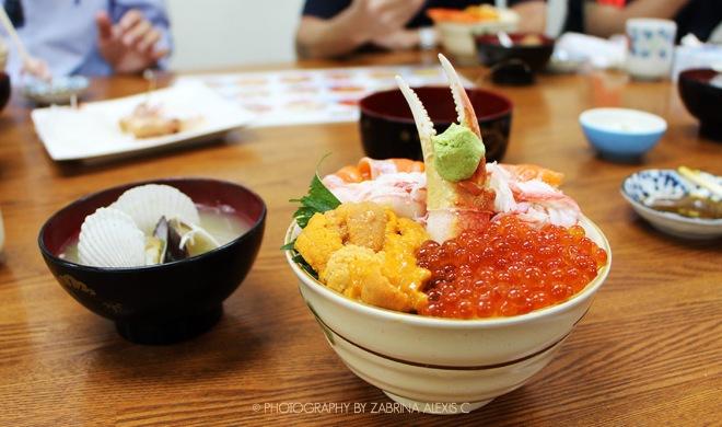 Otaru Wet Market Fresh Hotate Salmon Uni Kani Ikura Don Travel Food Diary