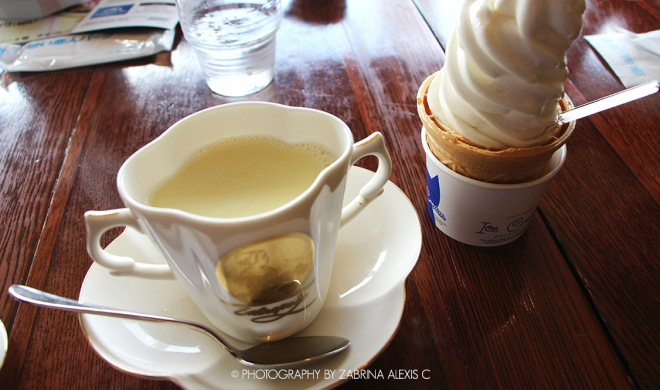 Shiroi Koibito Park Famous Best Biscuit Sapporo Hokkaido Japan Travel Diary White Hot Chocolate and White Chocolate Ice-Cream